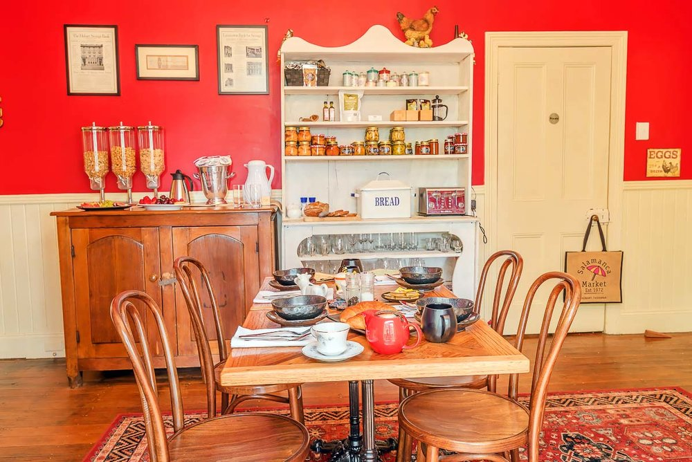 accommodation in cradle mountain - glencoe country b&b farmhouse kitchen