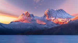 cradle mountain tasmania covered in snow