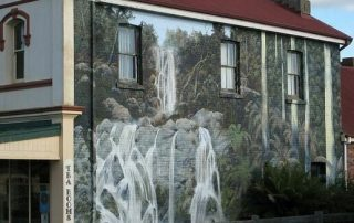 things to do in north west tasmania - sheffield murals